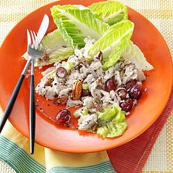 Chicken-Salad-with-Grapes-and-Pecans