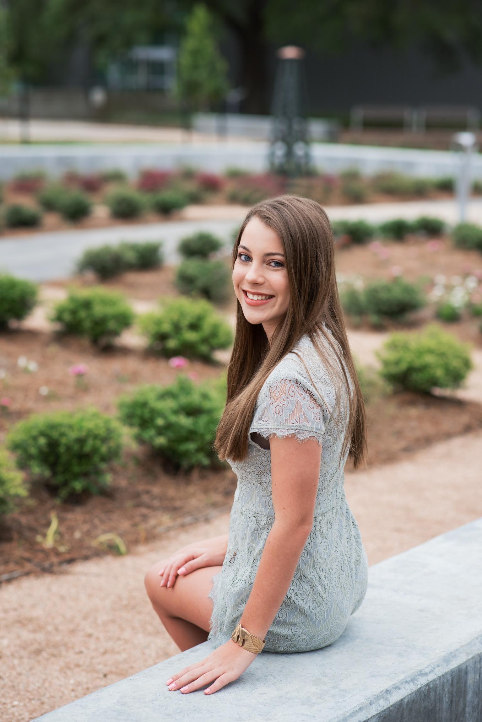 Lane Auxiliary Awards Scholarship to Area Student