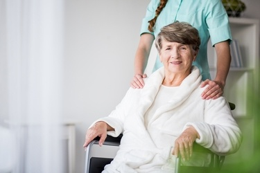 Home Health or Nursing Home: Making the Right Choice