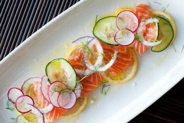 Salmon Baked with Cucumbers and Dill